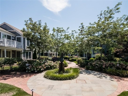 One Level,Town House - Narragansett, RI (photo 2)
