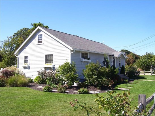 Cape Cod, Cross Property - North Kingstown, RI (photo 2)