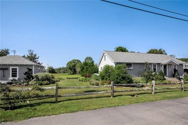 Cape Cod, Cross Property - North Kingstown, RI (photo 3)
