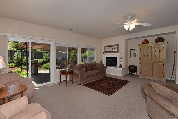 109 Primrose Lane, Cloverdale, CA - USA (photo 2)