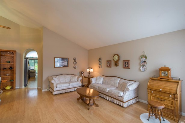 113 Los Robles Avenue, Windsor, CA - USA (photo 2)