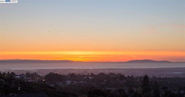 3392 Oakes Drive, Hayward, CA - USA (photo 1)