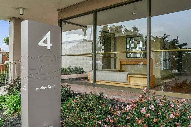 4 Anchor Dr F343, Emeryville, CA - USA (photo 1)