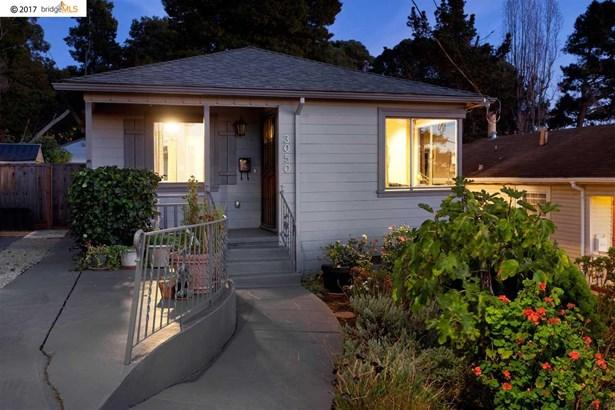 3050 75 Th Ave, Oakland, CA - USA (photo 1)