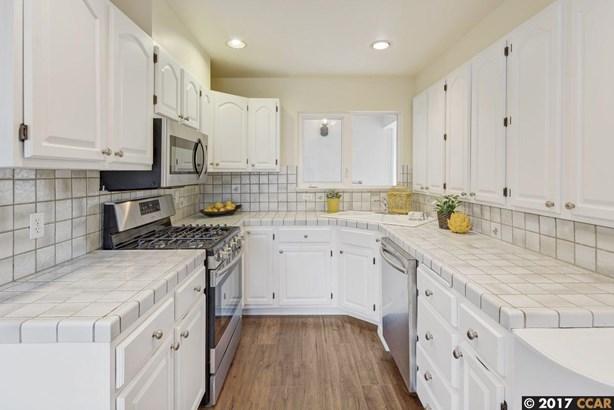 2687 Montgomery Avenue, Concord, CA - USA (photo 2)