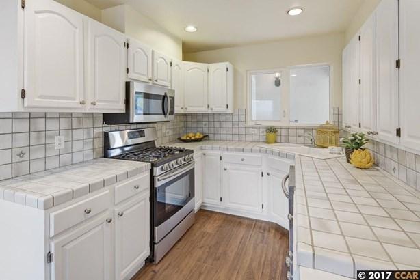 2687 Montgomery Avenue, Concord, CA - USA (photo 3)
