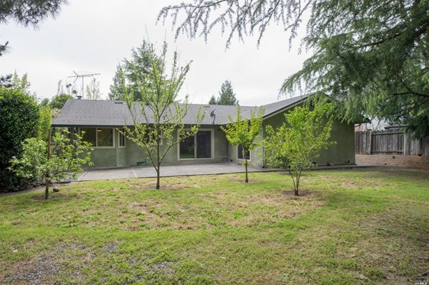 2307 Gifford Court, Santa Rosa, CA - USA (photo 2)