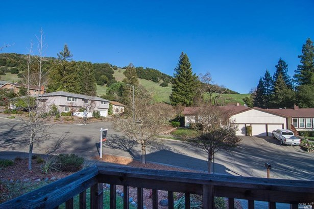 563 Rinaldo Street, Santa Rosa, CA - USA (photo 2)