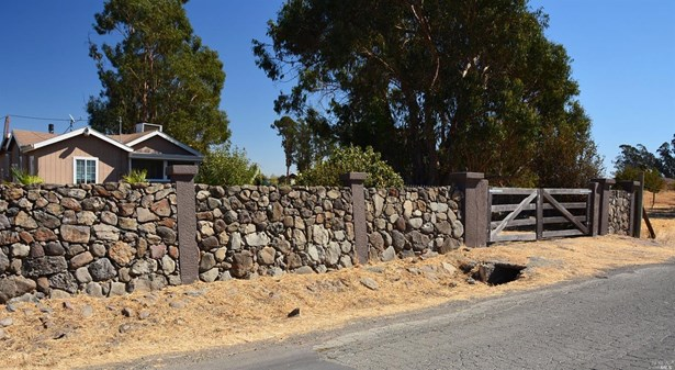 22050 Bonness Road, Sonoma, CA - USA (photo 2)