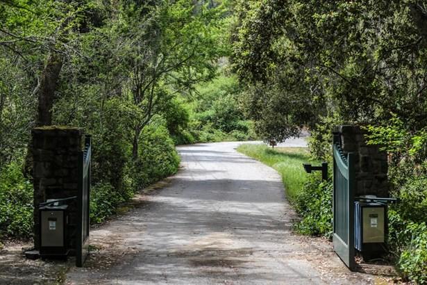Woodside, CA - USA (photo 3)
