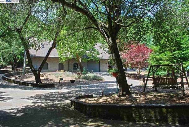 17015 Cull Canyon Rd, Castro Valley, CA - USA (photo 2)