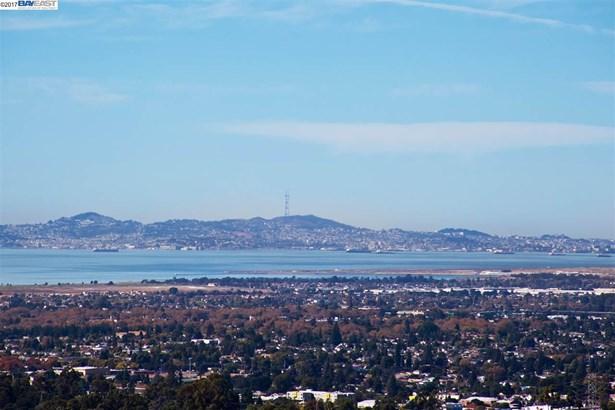 3392 Oakes Drive, Hayward, CA - USA (photo 3)