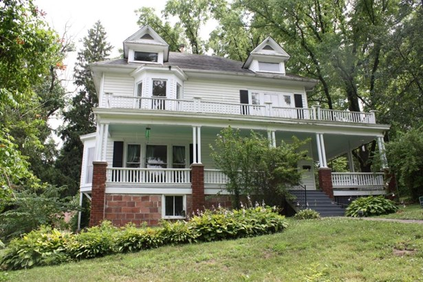 Single Family Residence, 2 Story - FAYETTE, MO (photo 1)