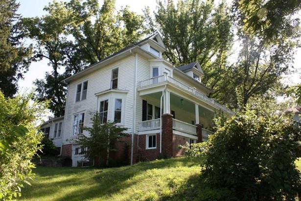 Single Family Residence, 2 Story - FAYETTE, MO (photo 2)