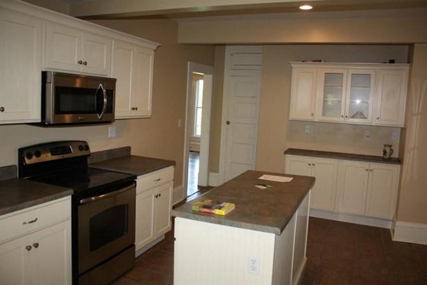 Single Family Residence, 2 Story - FAYETTE, MO (photo 4)
