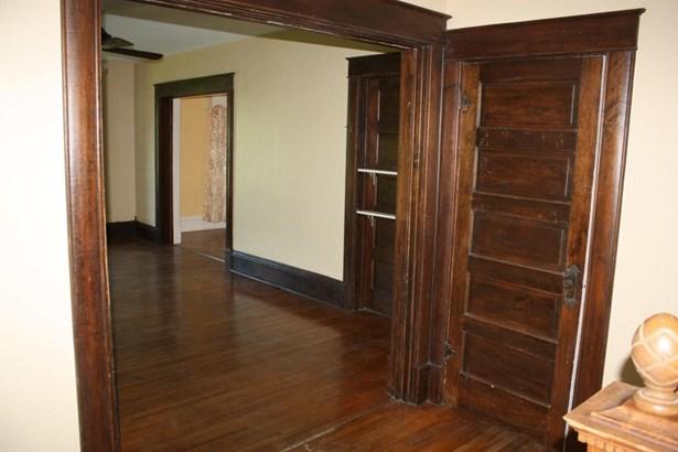Single Family Residence, 2 Story - FAYETTE, MO (photo 5)