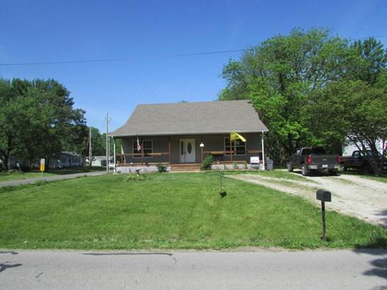 1.5 Story, Single Family Residence - HALLSVILLE, MO (photo 1)