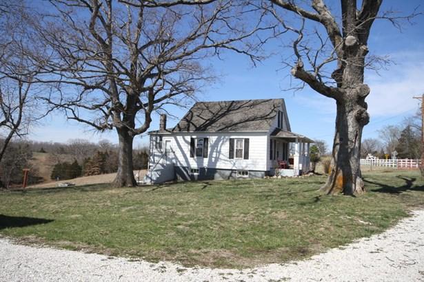 Single Family Residence, 1.5 Story,Farm House - FULTON, MO (photo 4)