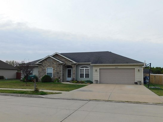 Ranch,Traditional, Single Family Residence - HALLSVILLE, MO (photo 2)
