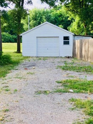 627 W Rodney Griffin St, Centralia, MO - USA (photo 2)