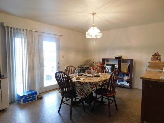 Ranch,Traditional, Single Family Residence - CENTRALIA, MO (photo 4)