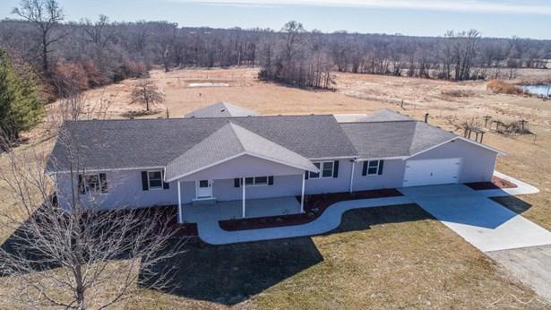 Ranch,Traditional, Single Family Residence - CLARK, MO