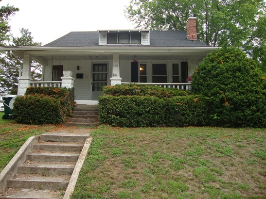 Single Family Residence, 1.5 Story,Traditional - FAYETTE, MO