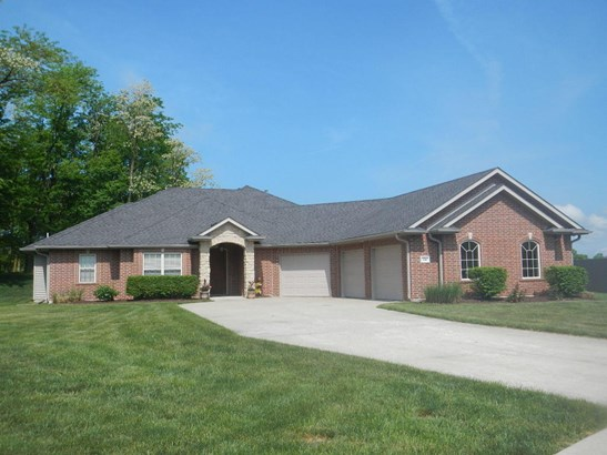 Single Family Residence, Ranch - HALLSVILLE, MO