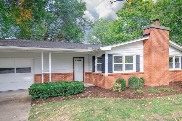 Ranch,Traditional, Single Family Residence - COLUMBIA, MO