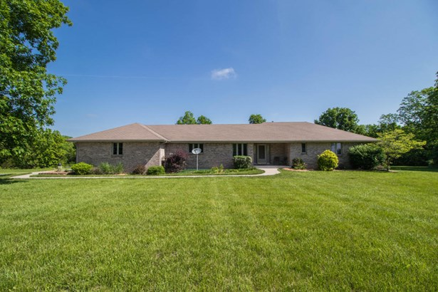 Single Family Residence, Ranch - STURGEON, MO (photo 3)