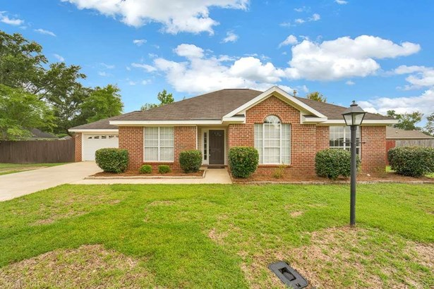 French Country, Residential Detached - Semmes, AL (photo 2)