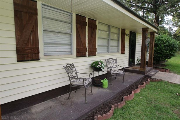 Residential Detached, Traditional - Bay Minette, AL (photo 2)