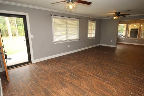 Residential Detached, Traditional - Bay Minette, AL (photo 3)
