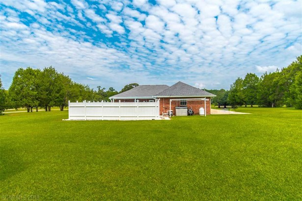 Residential Detached, Single Story - Bay Minette, AL (photo 5)