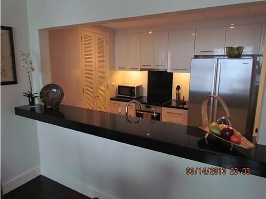 Unit 1711 Raffles Residences,ayala, Makati City - PHL (photo 2)