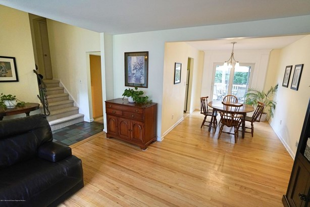 9 Majestic Avenue, Lincroft, NJ - USA (photo 2)