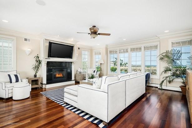 934 Ocean Avenue, Sea Bright, NJ - USA (photo 3)