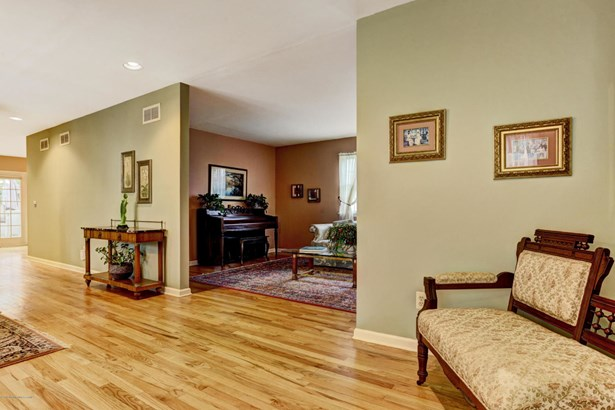 2219 Old Mill Road, Spring Lake Heights, NJ - USA (photo 5)