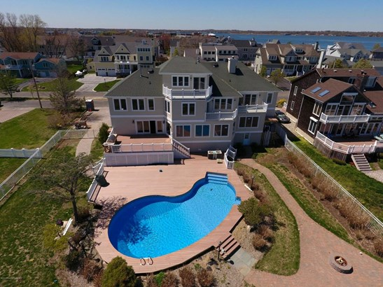57 Monmouth Parkway, Monmouth Beach, NJ - USA (photo 2)