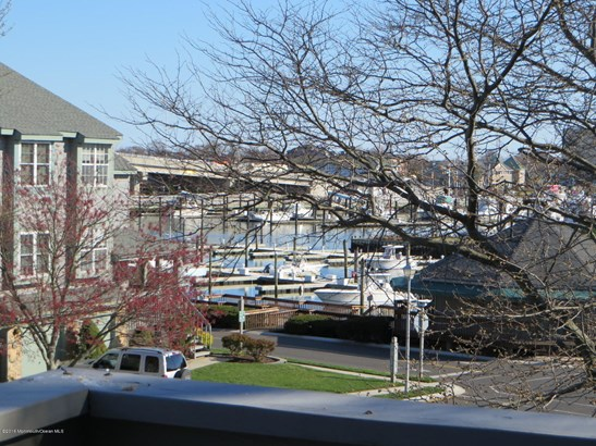 300 Seaview Circle, Neptune, NJ - USA (photo 4)