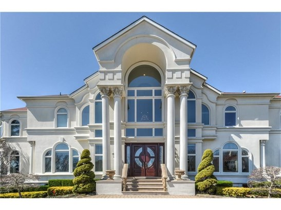 317 Bayview Drive, Marlboro, NJ - USA (photo 2)