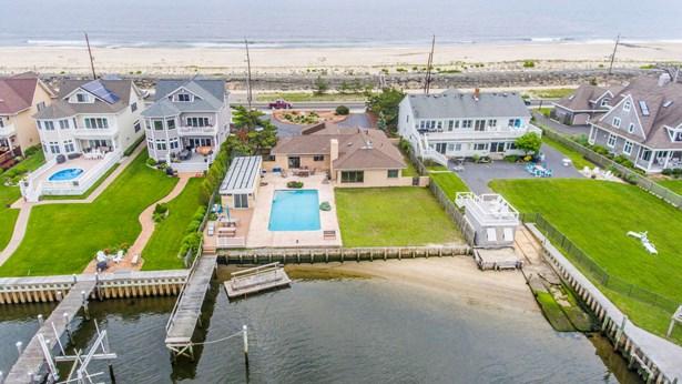 748 Ocean Avenue, Sea Bright, NJ - USA (photo 2)