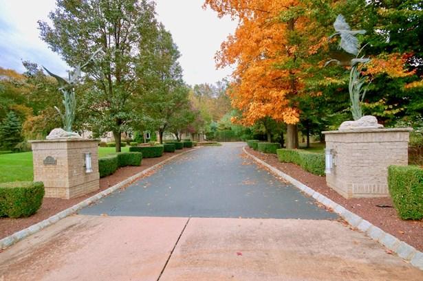 3 Beechwood Lane, Millstone, NJ - USA (photo 2)