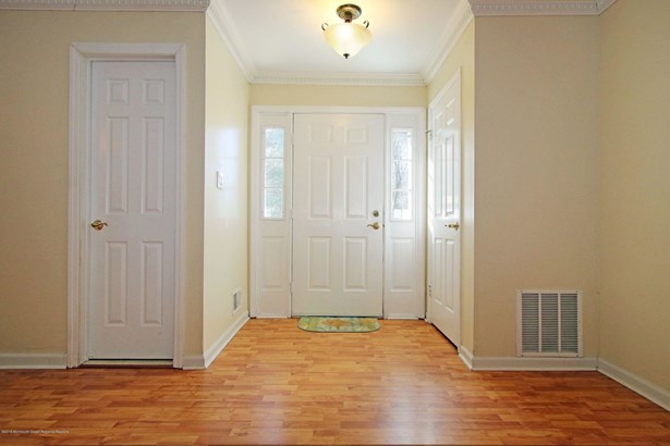 11 Colonial Square, Middletown, NJ - USA (photo 5)