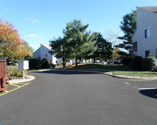 2301 Aspen Drive, Plainsboro, NJ - USA (photo 2)