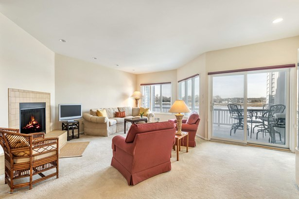 766 Ocean Avenue 8, Sea Bright, NJ - USA (photo 3)