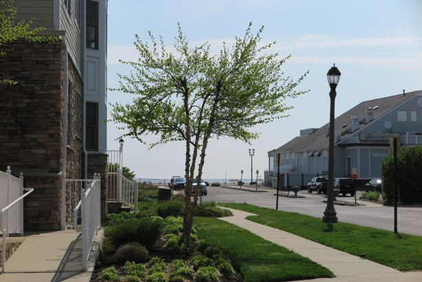 11 Cooper Avenue 204, Long Branch, NJ - USA (photo 3)