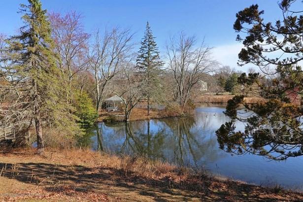 630 Brookside Drive, Toms River, NJ - USA (photo 2)