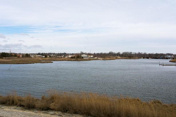 9 Bridgewaters Drive 22, Oceanport, NJ - USA (photo 2)