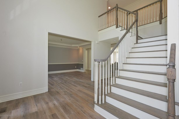 14 Winding Woods Way, Freehold, NJ - USA (photo 5)